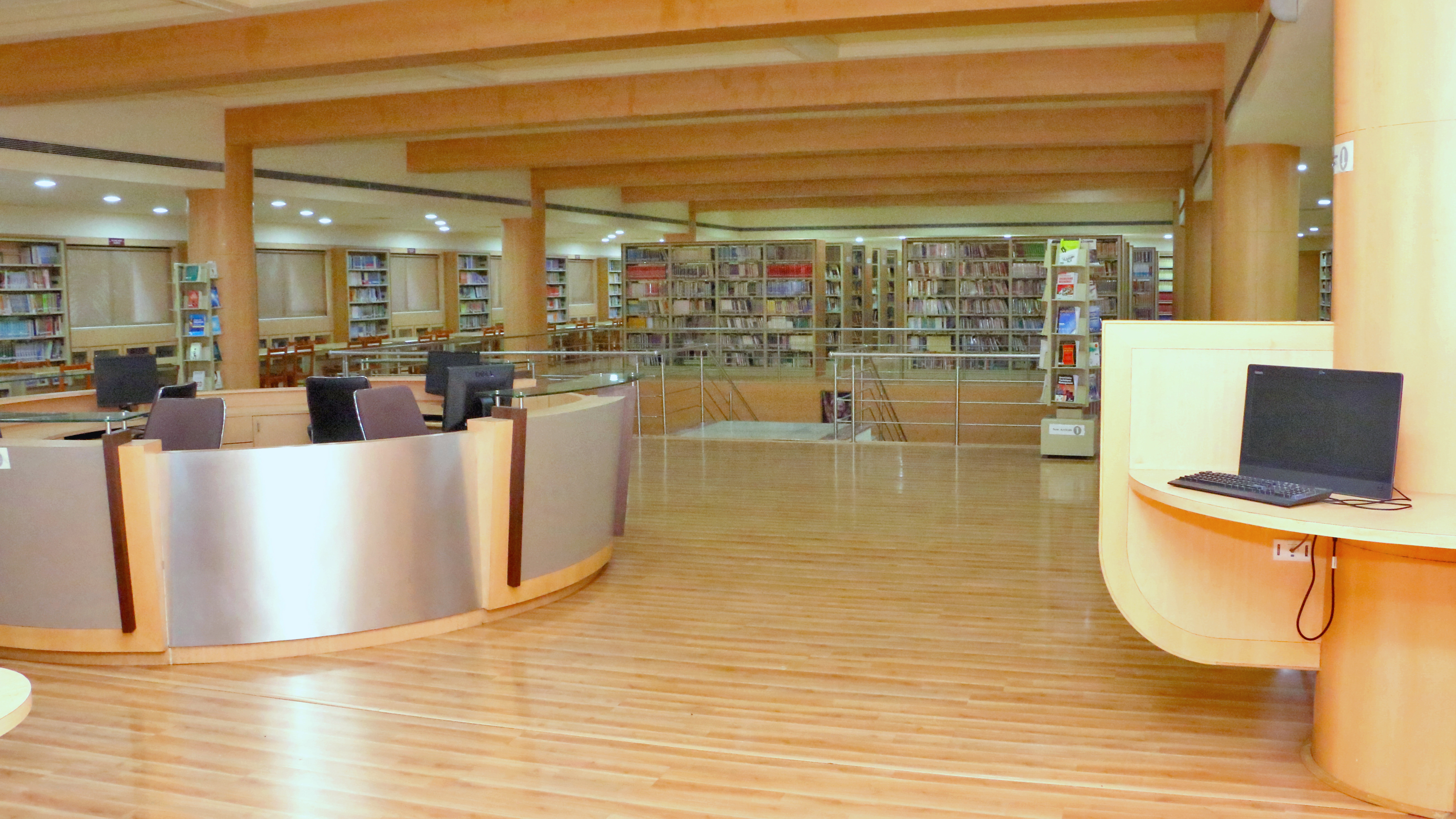 15 04 - Library - 002